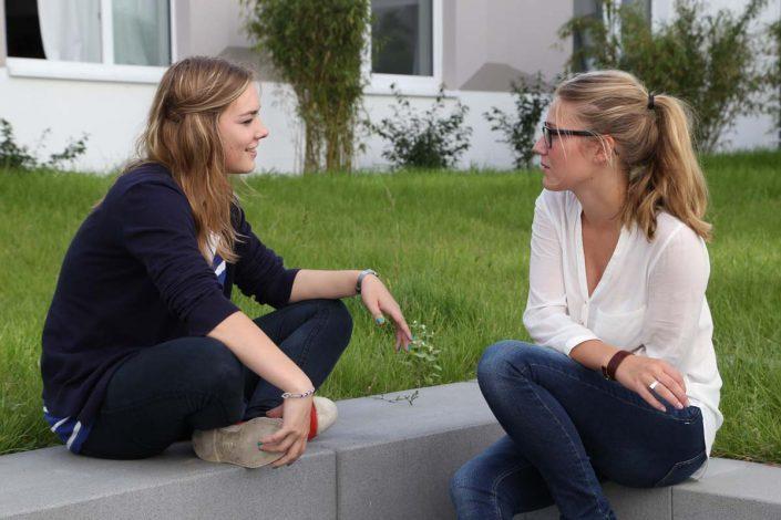 Studentinnen im Gespräch