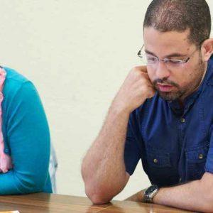 Studenten lernen für die Prüfung telc Deutsch B1+ Beruf