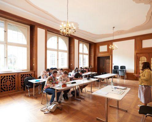Geräumiges Klassenzimmer im Collegium Palatinum
