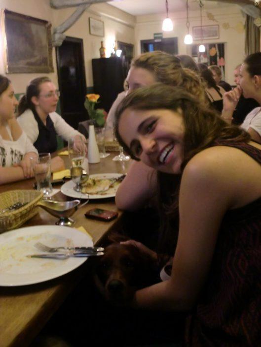 Studenten beim Essen