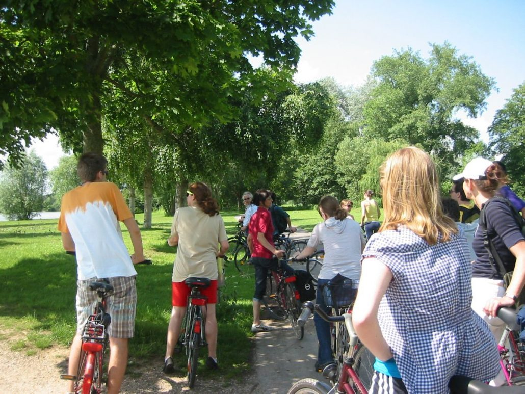 Studenten auf Fahrrädern