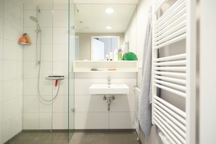 Bad eines Studenten-Appartments