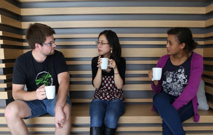 Studenten im Gemeinschaftsraum