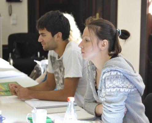 Student und Studentin im Unterricht