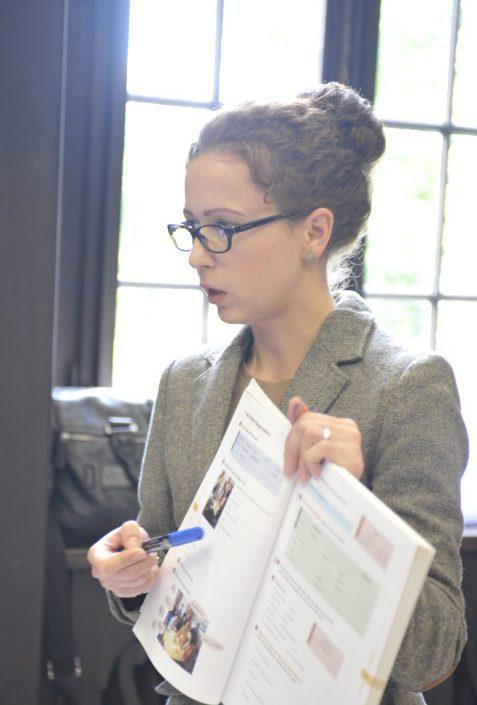 Lehrerin im Vorbereitungskurs Studium