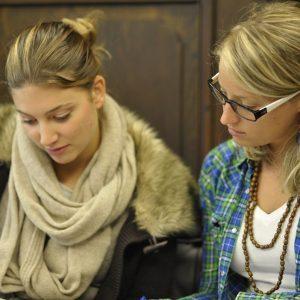 Studentinnen bei der Prüfungsvorbereitung