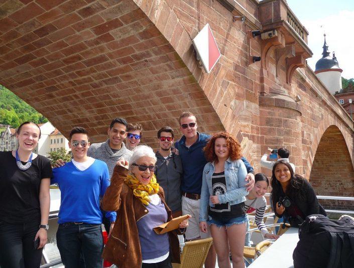 Studenten auf Bootstour