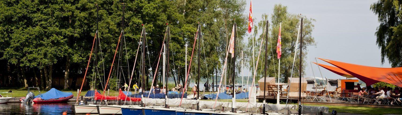 Anlegestelle mit Booten